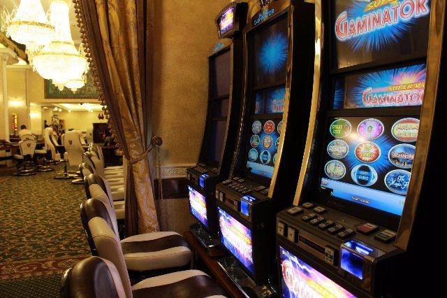 Как выиграть деньги в онлайн казино Фараон, а также скачать казино Фараон