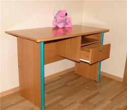 Письменный стол для небольшой квартиры