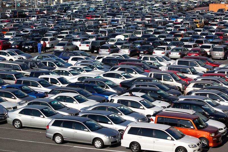 Тюменцев могут обязать покупать подержанные авто на аукционах
