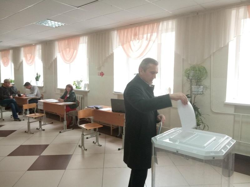 Александ Моор отдал свой голос на праймериз «Единой России»