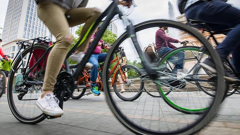 Поворотники встроят в куртки велосипедистов