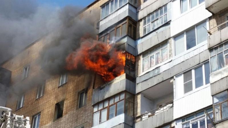 В Тюменской области загорелась четырехкомнатная квартира