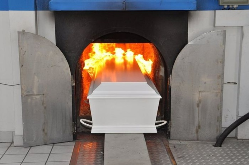 Мужчина вернулся домой спустя год после кремации