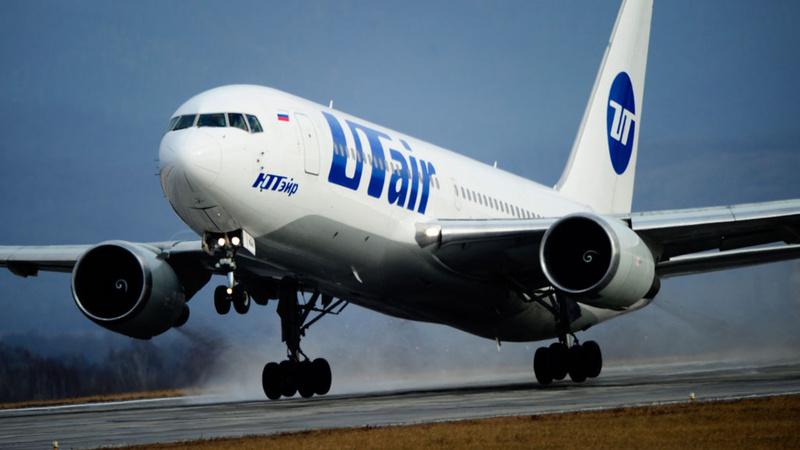 Не смог сесть: самолет авиакомпании UTair приземлился в Омске вместо Тюмени