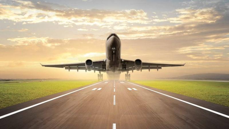 Тюменский аэропорт принял самолеты, которые не смогли сесть в Омске