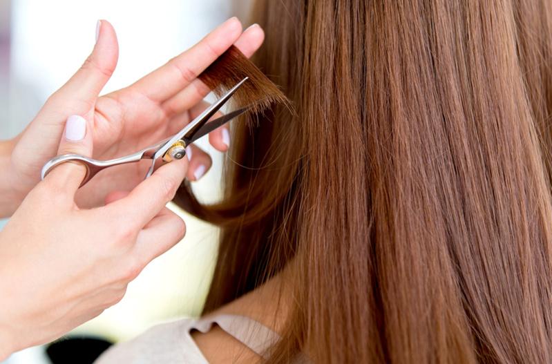 400 тысяч рублей разом: Из салона красоты украли 6 килограммов волос