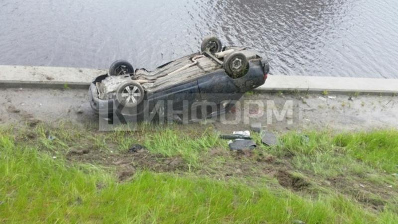 В Югре в аварии пострадали 9 человек