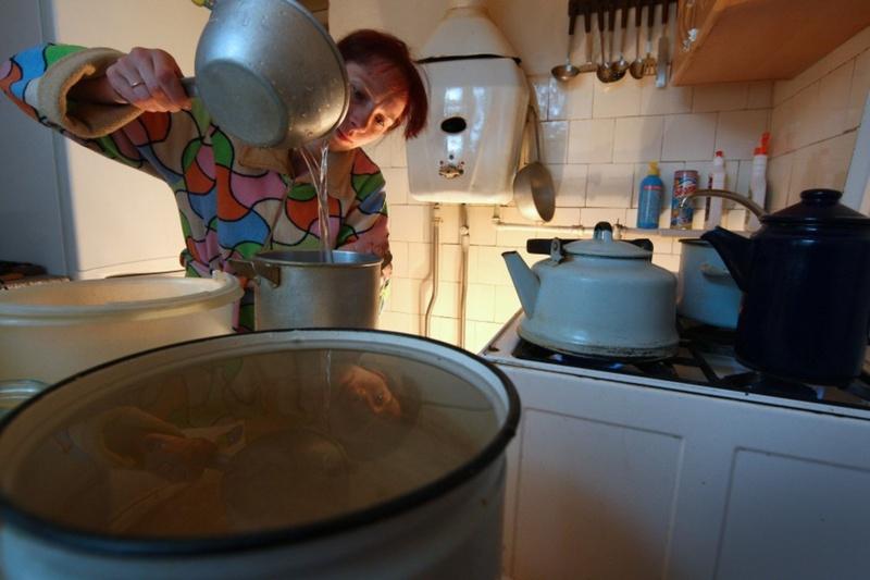 Стало известно, до каких пор в домах тюменцев не будет горячей воды