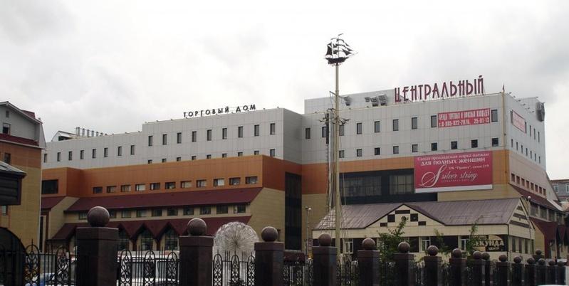 Первый этаж закрытого из-за нарушений тюменского ТЦ может открыться в августе