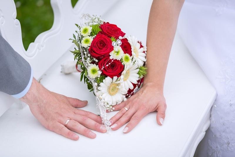 Больше 40 пар тюменцев зарегистрируют брак в День семьи, любви и верности
