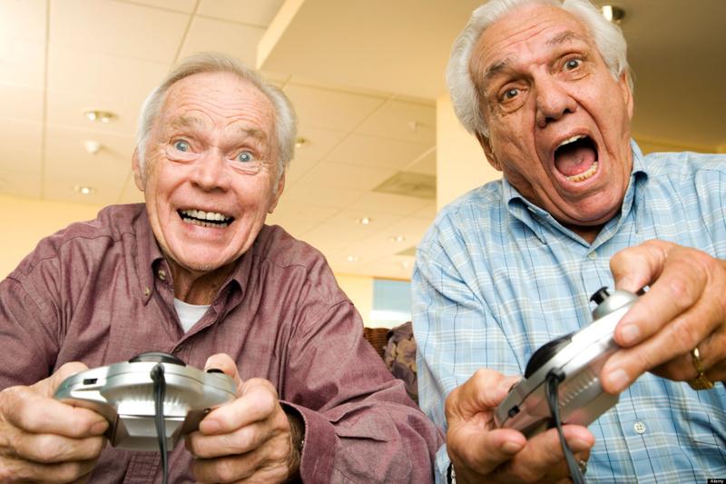 Пожилые тюменцы приобщатся к скейтбордингу и сыграют с внуками в X-Box