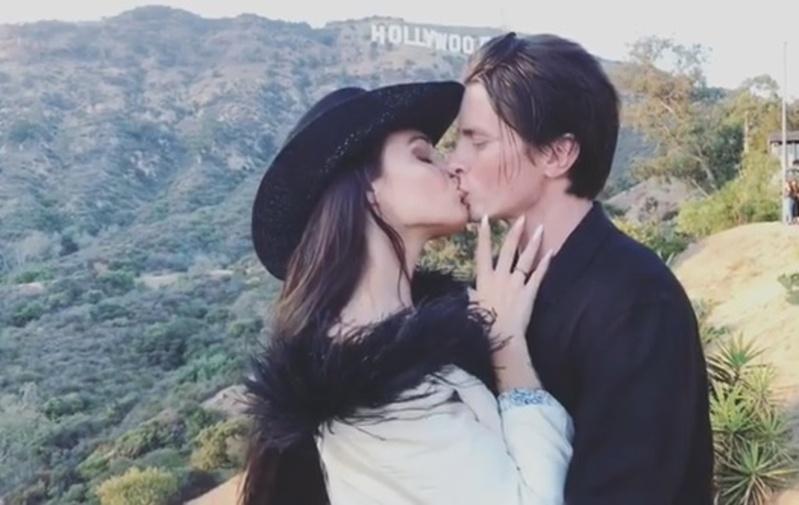 Уроки поцелуев от Алены Водонаевой продолжаются