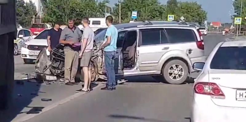 В Тюмени в лобовом столкновении автомобилей пострадал мужчина