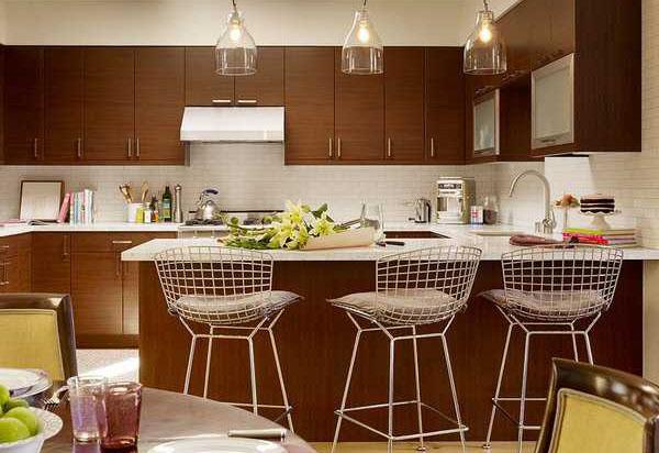Как купить барные стулья для кухни и не прогадать: 7 советов по выбору