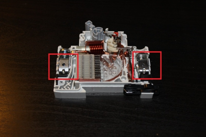 Анатомия автоматического выключателя Eaton