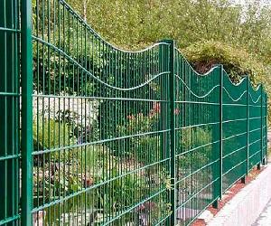 Забор металлический сварной: 9 советов по выбору и установке