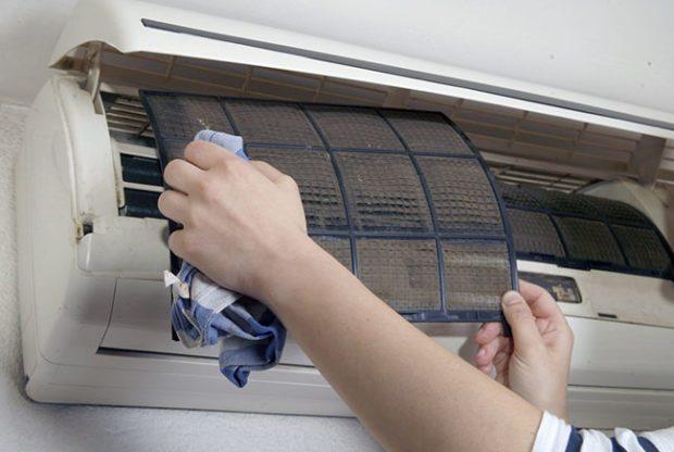 7 советов, как почистить кондиционер в квартире своими руками