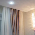 5 советов по выбору и установке карниза под натяжной потолок